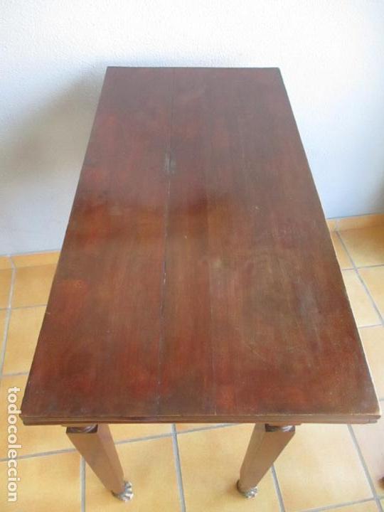 Antigüedades: Antigua Mesa - Consola Imperio - Madera de Caoba - Patas de Garra Doradas - Año 1800 - Foto 23 - 117044487