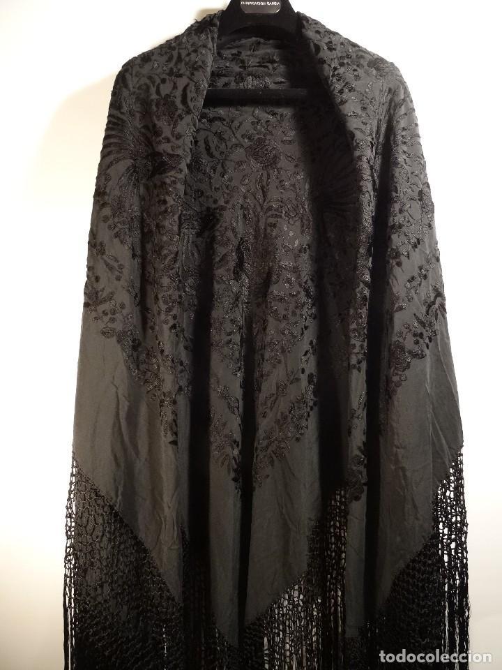 Antigüedades: Mantón negro bordado - Foto 4 - 117052647