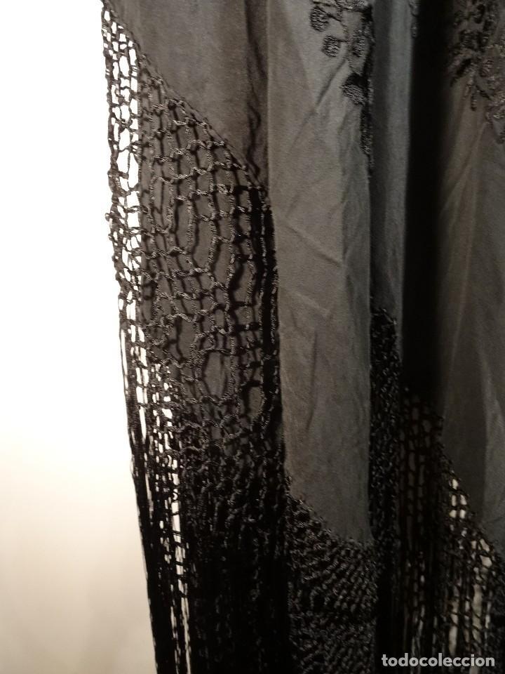 Antigüedades: Mantón negro bordado - Foto 5 - 117052647