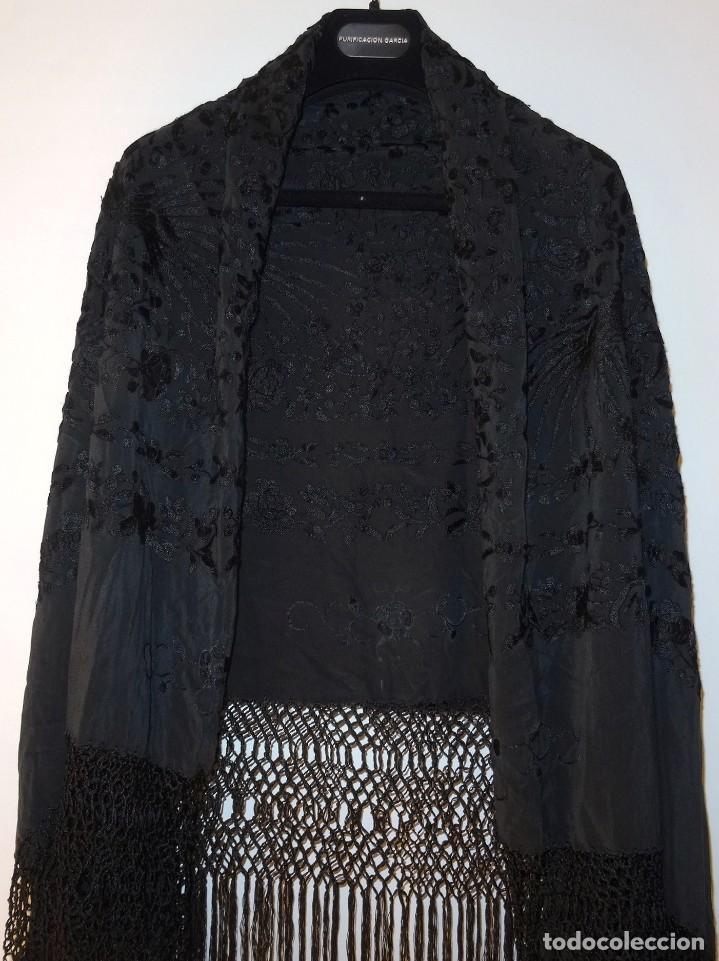 Antigüedades: Mantón negro bordado - Foto 9 - 117052647