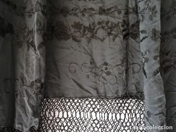 Antigüedades: Mantón negro bordado - Foto 10 - 117052647