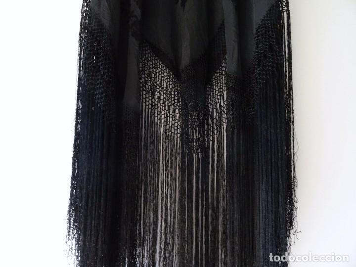Antigüedades: Mantón negro bordado - Foto 14 - 117052647