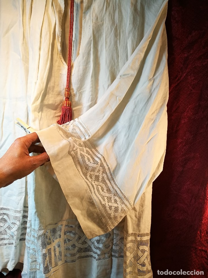 Antigüedades: ROQUETE SOBREPELLIZ. ROPA DE SACERDOTE..LINO-ALGODON PLISADO Y ENCAJE CON BORLA CUELLO - Foto 6 - 117070627