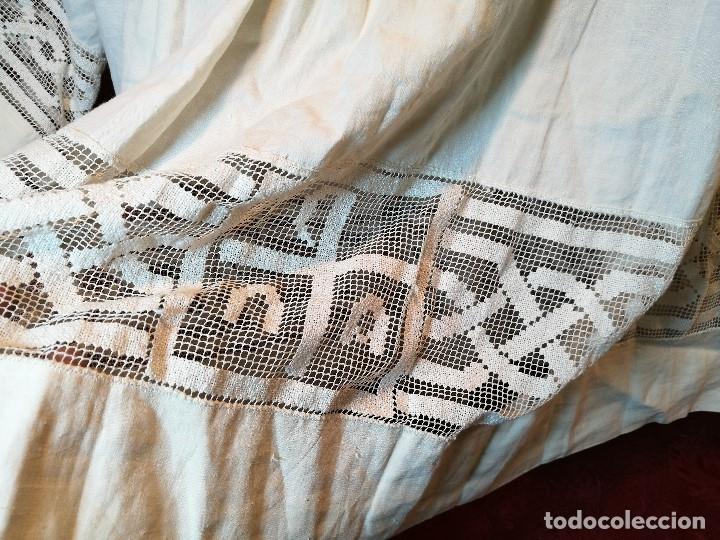 Antigüedades: ROQUETE SOBREPELLIZ. ROPA DE SACERDOTE..LINO-ALGODON PLISADO Y ENCAJE CON BORLA CUELLO - Foto 22 - 117070627