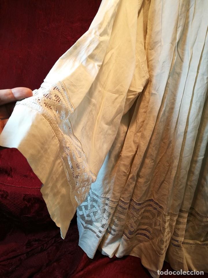 Antigüedades: ROQUETE SOBREPELLIZ. ROPA DE SACERDOTE..LINO-ALGODON PLISADO Y ENCAJE CON BORLA CUELLO - Foto 30 - 117070627