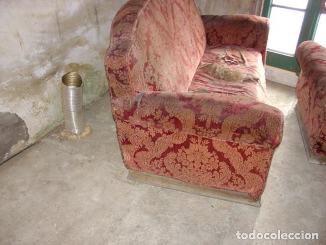 Antigüedades: Antiguo Sofá 2/3 Plazas y dos Butacas a Restaurar Completamente. Siglo XIX. Ver Fotografías. - Foto 2 - 117074011