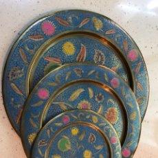 Antigüedades: PLATOS DE BRONCE. Lote 117105070