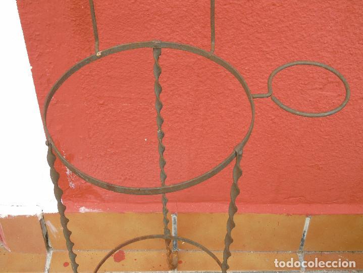 Antigüedades: ANTIGUO PALANGANERO DE HIERRO. - Foto 3 - 117108443