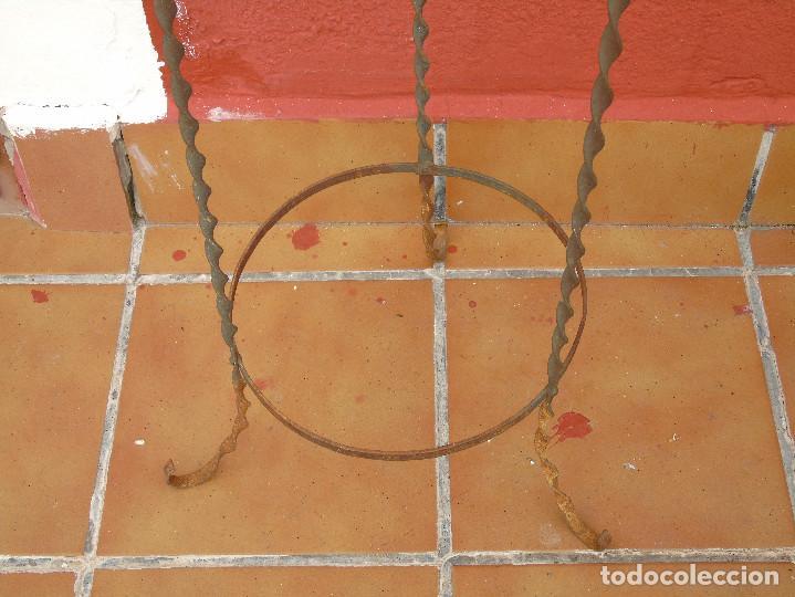 Antigüedades: ANTIGUO PALANGANERO DE HIERRO. - Foto 4 - 117108443