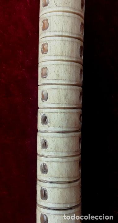 Antigüedades: BASTÓN DE VÉRTEBRAS DE TIBURÓN Y HUESO. CIRCA S. XIX. - Foto 6 - 117124803