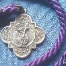 Antigüedades: SEMANA SANTA SEVILLA - MEDALLA CON CORDON DE LA HDAD DEL GRAN PODER. Lote 117146139