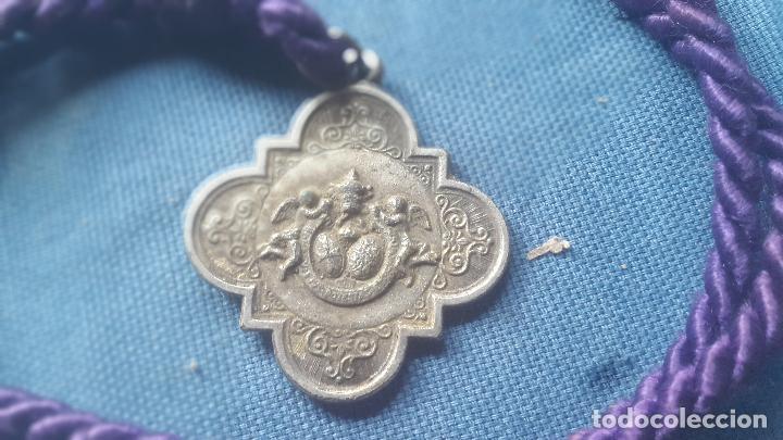 Antigüedades: SEMANA SANTA SEVILLA - MEDALLA CON CORDON DE LA HDAD DEL GRAN PODER - Foto 2 - 117146139