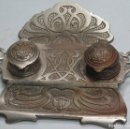 Antigüedades: PRECIOSA ESCRIBANIA DE HIERRO. ART NOUVEAU. SELLO FUNDICION. SIGLO XIX. Lote 117161015