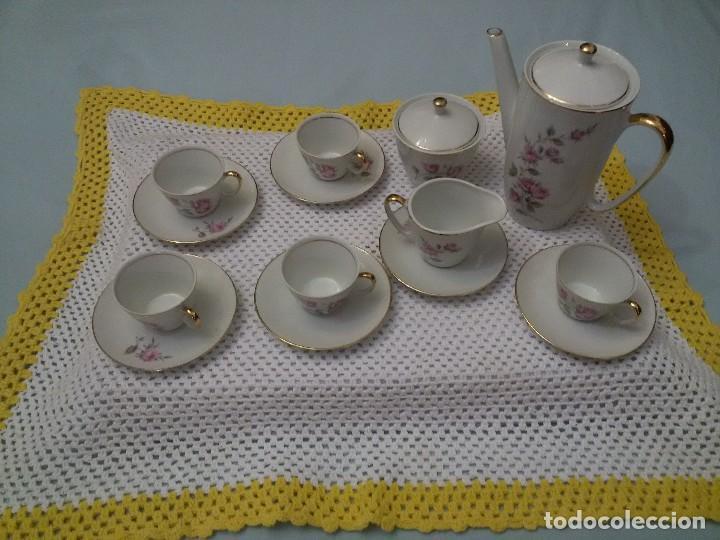 ANTIGUO JUEGO DE CAFE CON CINCO TAZAS-PORCELANA-MAH VIGO (Antigüedades - Porcelanas y Cerámicas - Santa Clara)