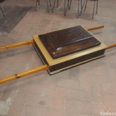 Antigüedades: ANDAS DE TALLA DE MADERA PARA LLEVAR IMAGEN RELIGIOSA EN PROCESION. Lote 117241668
