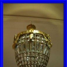 Antigüedades: LAMPARA O GLOBO CON CRISTALES EN BRONCE DORADO. Lote 117263511