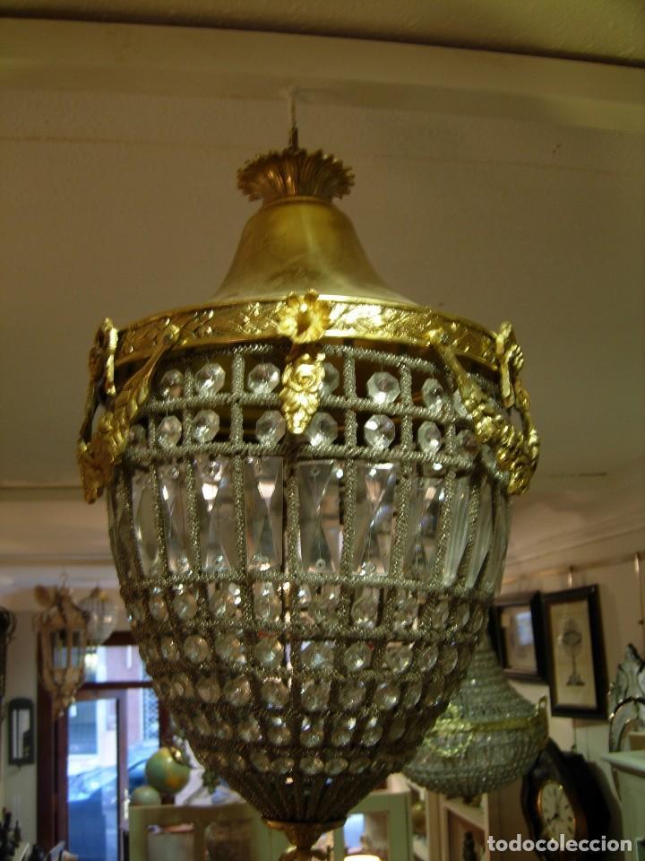 Antigüedades: LAMPARA O GLOBO CON CRISTALES EN BRONCE DORADO - Foto 3 - 117263511