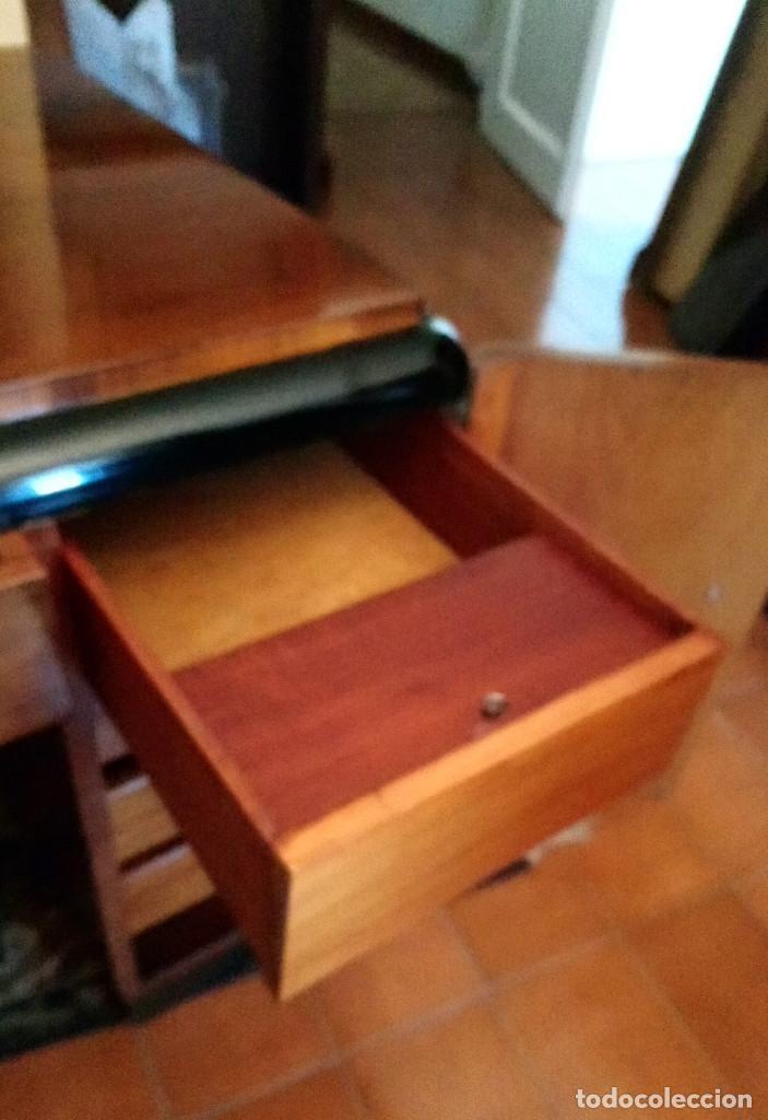 Antigüedades: Fabulosa mesa de despacho Art Decó de Caoba y Palisandro. - Foto 13 - 117272555