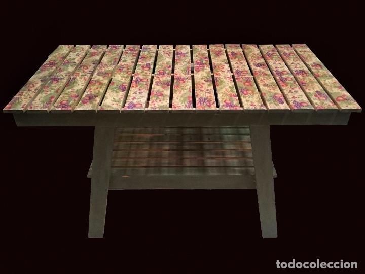 Antigüedades: mostrador, mesa,mueble auxiliar, mesa de pino decorada con flores y frutos al estilo antiguo, - Foto 2 - 117295559