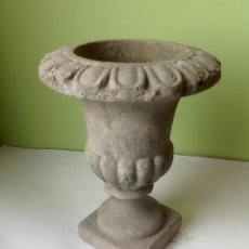 Antigüedades: ANTIGUO Y PRECIOSO VASO MEDICIS EN TERRACOTA . Lote 117321023