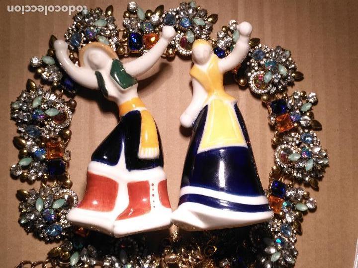 PAREJA GALLEGOS BAILANDO CERAMICA LUARADA SIMIL SARGADELOS PORCELANA GALICIA - DISEÑO GALLEGO 2014 (Antigüedades - Porcelanas y Cerámicas - Sargadelos)