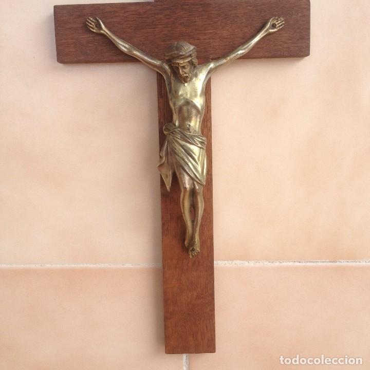 Antigüedades: Antigúa cruz de madera noble con jesus cristo de bronce. - Foto 2 - 117380783