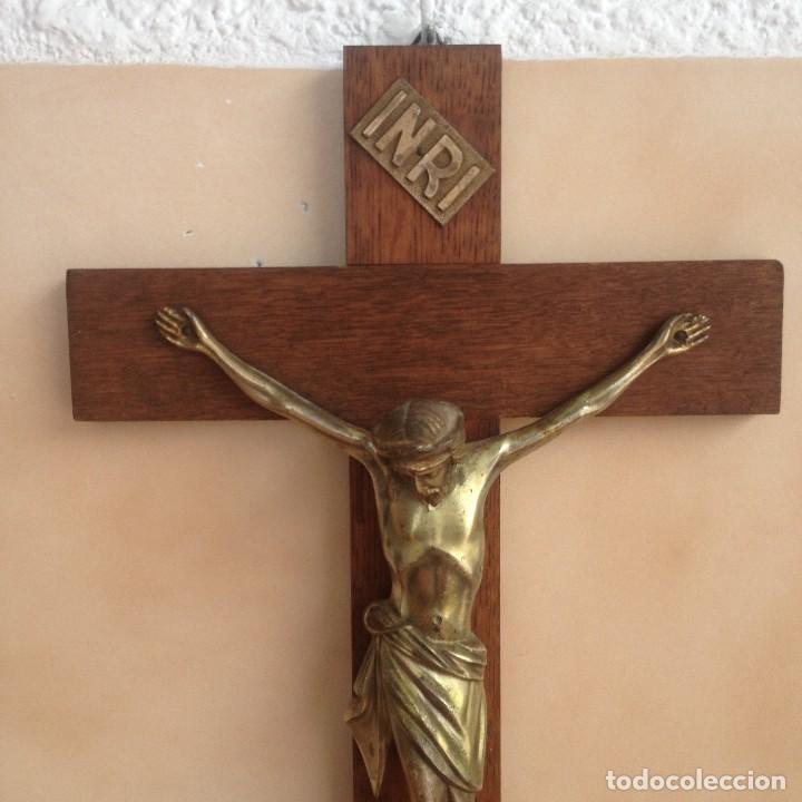 Antigüedades: Antigúa cruz de madera noble con jesus cristo de bronce. - Foto 3 - 117380783
