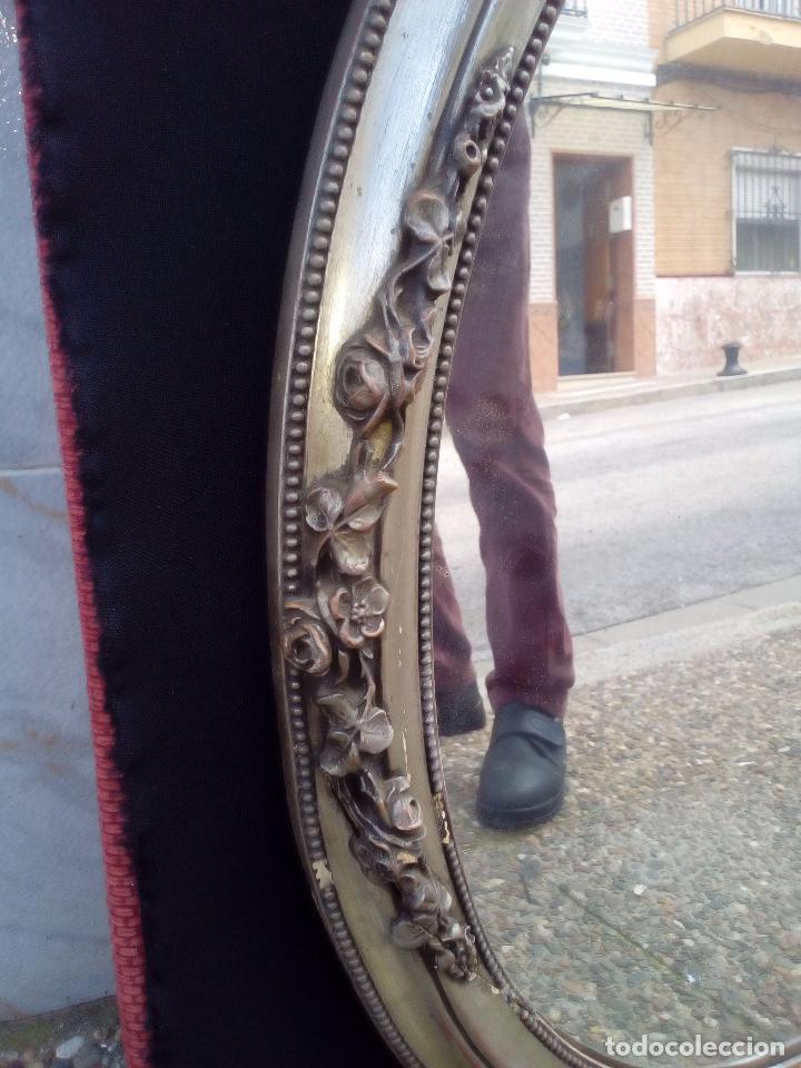 Antigüedades: DOS ANTIGUOS ESPEJOS CON MARCO DE MADERA PLATEADA - Foto 6 - 117398135