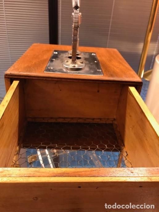 Antigüedades: Máquina Troqueladora Guillotina cortar Hostias Peculiar Decoración Especial - Foto 3 - 117402847