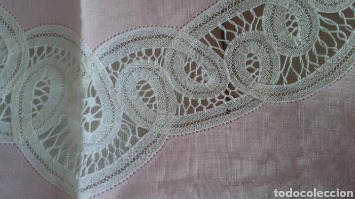 Antigüedades: Mantel en lino y encaje de bolillos (+ 2 servilletas de oferta) - Hacen ofertas por favor !!! - Foto 6 - 117429510