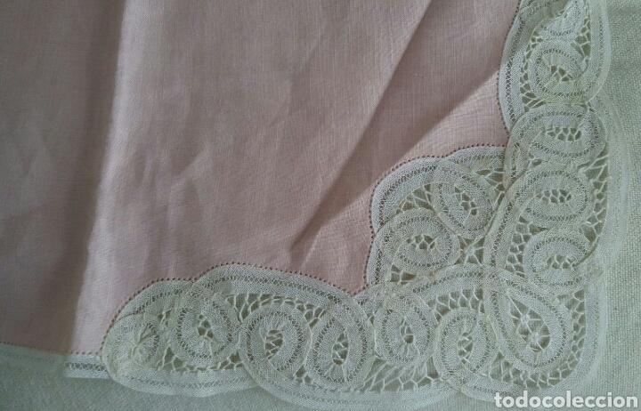 Antigüedades: Mantel en lino y encaje de bolillos (+ 2 servilletas de oferta) - Hacen ofertas por favor !!! - Foto 7 - 117429510