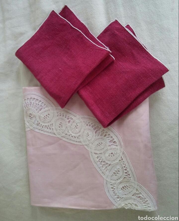 Antigüedades: Mantel en lino y encaje de bolillos (+ 2 servilletas de oferta) - Hacen ofertas por favor !!! - Foto 10 - 117429510