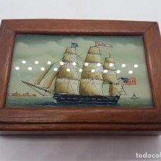 Antiquitäten - Estupenda caja de madera y cristal pintado a mano con velero antiguo americano. - 127613620