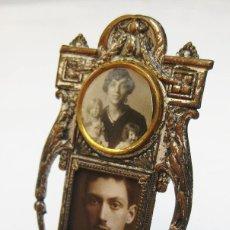 Antigüedades: PRECIOSO PORTAFOTOS LATON PLATEADO CIRCA 1900 MODERNISTA. Lote 117478935