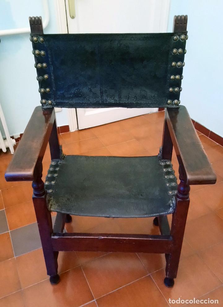 Antigüedades: ANTIGUO SILLÓN CASTELLANO DE MADERA DE NOGAL. - Foto 2 - 117479563