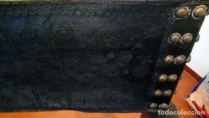 Antigüedades: ANTIGUO SILLÓN CASTELLANO DE MADERA DE NOGAL. - Foto 4 - 117479563