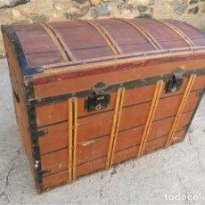 Antigüedades: BAÚL VIAJE ANTIGUO. FORRADO CON LONETA. (VER FOTOS). Lote 117481231