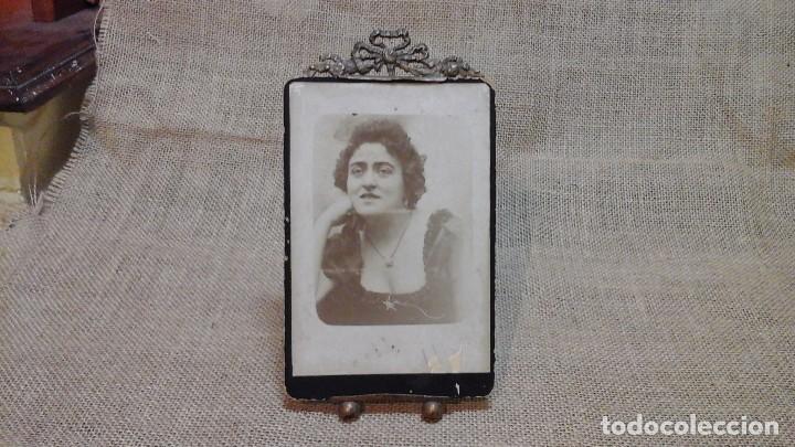 PORTAFOTOS -ATRIL FRANCÉS EN BRONCE . FINALES DEL XIX (Antigüedades - Hogar y Decoración - Portafotos Antiguos)