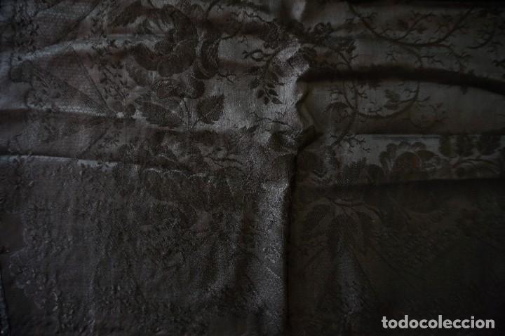 Antigüedades: mantón de Manila antiguo adamascado negro - Foto 3 - 117550823