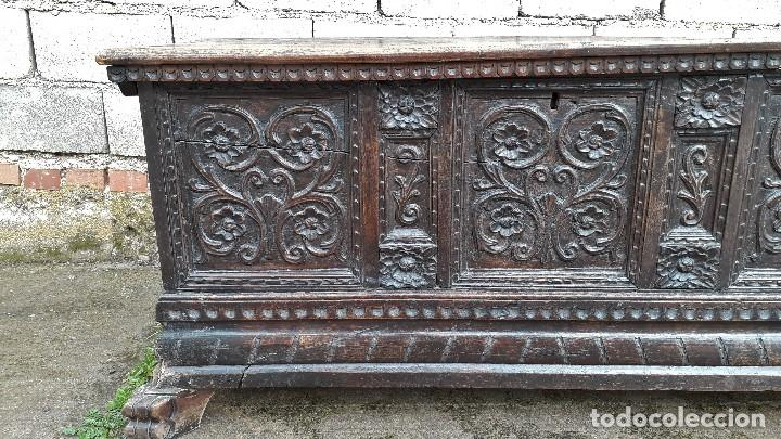 Antigüedades: Arcón antiguo macizo de nogal s.XVIII estilo barroco español baul antiguo arca antigua caja de novia - Foto 10 - 117587371