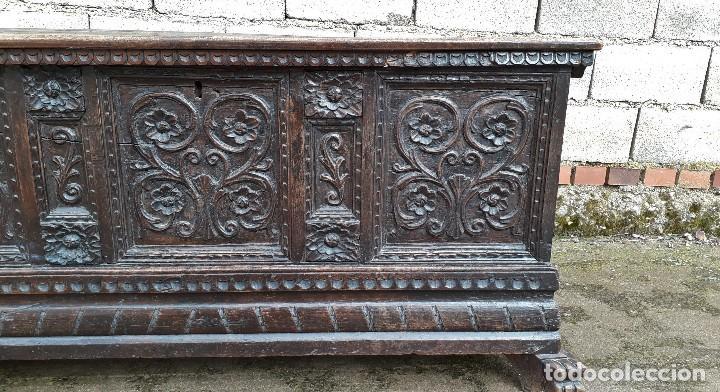 Antigüedades: Arcón antiguo macizo de nogal s.XVIII estilo barroco español baul antiguo arca antigua caja de novia - Foto 11 - 117587371