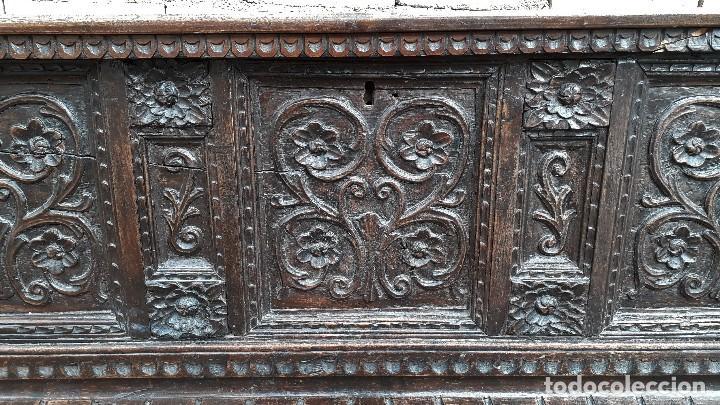 Antigüedades: Arcón antiguo macizo de nogal s.XVIII estilo barroco español baul antiguo arca antigua caja de novia - Foto 12 - 117587371