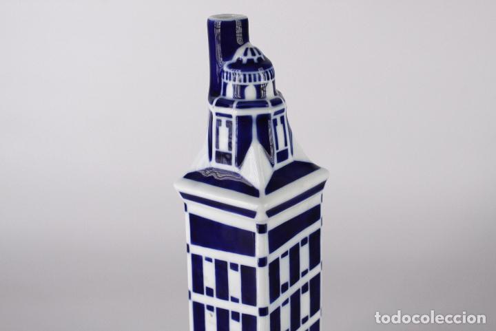 Antigüedades: botella Sargadelos porcelana torre Hercules - Foto 2 - 117605255