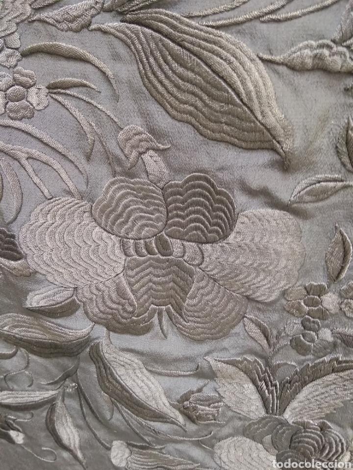 Antigüedades: Mantón de Manila bordado a mano siglo XX - Foto 4 - 117609179