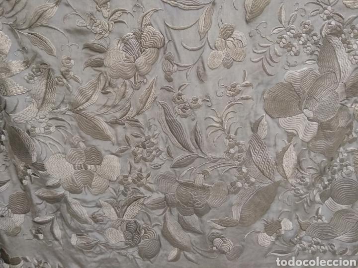 Antigüedades: Mantón de Manila bordado a mano siglo XX - Foto 12 - 117609179