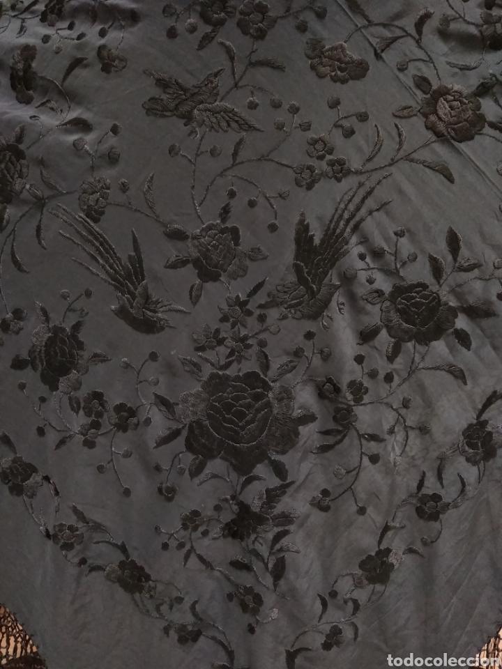 Antigüedades: Manton de Manila siglo XX bordado a mano - Foto 2 - 117613723