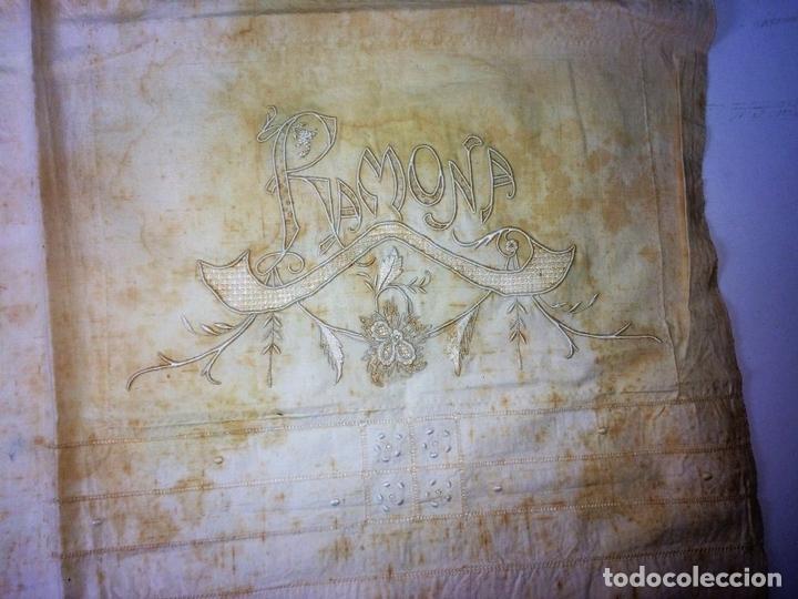Antigüedades: SÁBANA DE MATRIMONIO. ALGODÓN PROFUSAMENTE BORDADO. ENCAJE BOLILLOS. ESPAÑA. CIRCA 1950 - Foto 17 - 117632555