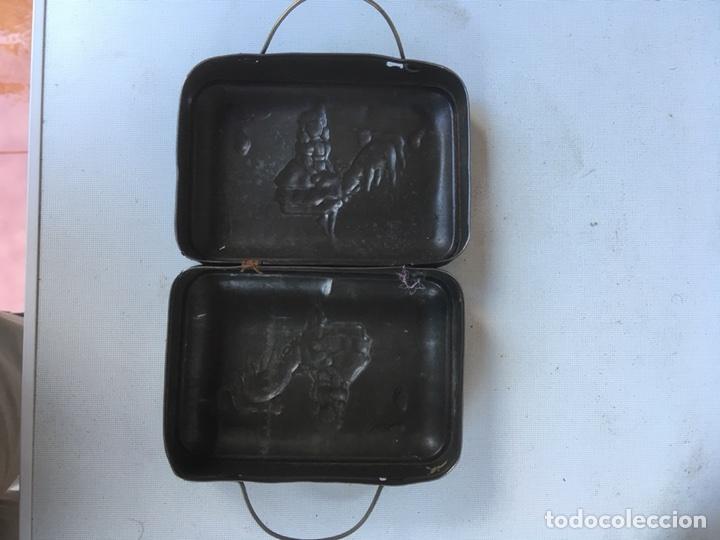 Antigüedades: CAJA METALICA DE PASTOR GUARDA COMIDA - Foto 3 - 117667811