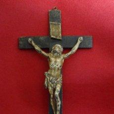 Antigüedades: SIGLO XIX. CRUCIFIJO CON CRISTO DE PLOMO POLICROMADO, CON CORONA CALADA. Lote 117672703