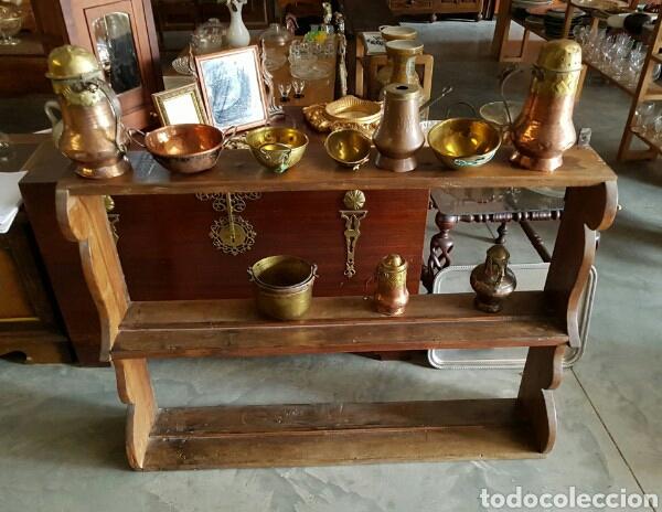 ESTANTERIA EN MADERA DE CASTAÑO MACIZO. MUY ANTIGUA Y PESADA. MUY RIGIDA (Antigüedades - Muebles Antiguos - Repisas Antiguas)